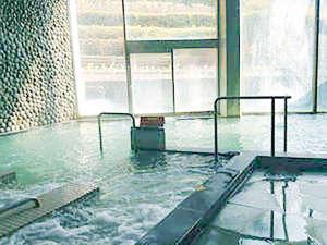 露天風呂・ジェットバス・サウナ…多彩なお風呂を楽しめます。
