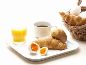 あつあつ焼きたてパン、スープ、絶品ゆで玉子とメニューも充実!