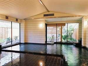 大浴場内湯。露天風呂付き大浴場「紅梅の湯」