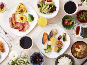 朝食は和洋織り交ぜたビュッフェスタイルです。