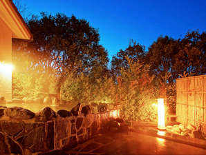 当ホテルの泉質は、お肌に優しい「美人の湯」とも呼ばれる自慢の掛け流し温泉です。