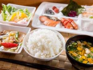 和洋食バイキングです!食べ放題!朝から満腹です!