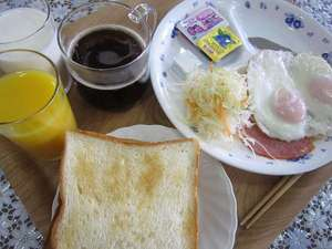 朝食【パンメニュー】の一例