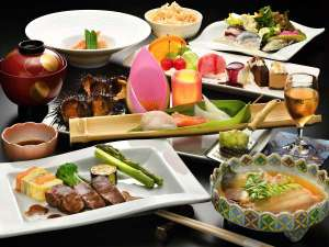 【ご夕食一例】三陸の豊富な漁場で獲れる新鮮な海産物を素材の旨みを活かした和洋折衷料理でご提供