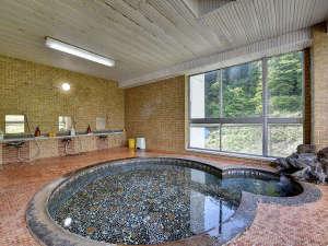 *大浴場 男湯 天然温泉につかってのんびりとおくつろぎ下さい。