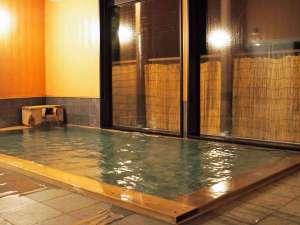 源泉掛け流し温泉(加温)基本的に24時間入浴可能です