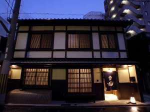 2階建ての京町家に7つの客室をご用意しました。