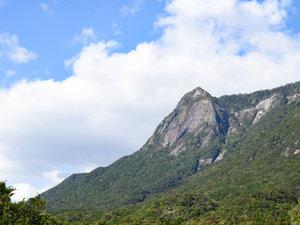 *【客室からの眺め:モッチョム側】モッチョム岳の様々な表情をお楽しみ下さい。