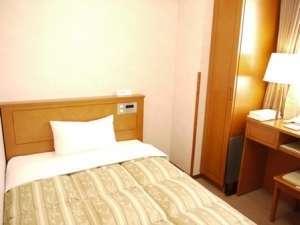 ◎シングルルーム◎10.3平米でベットが1台(120cm幅)全室空気清浄器完備。