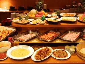 地元徳島の食材をはじめ合計50種類以上の品数を準備しています!