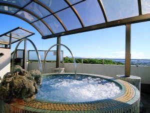 【特別室・露天風呂】広がる空に眼下の旭川市街の町並み♪開放感のあるジャグジーです