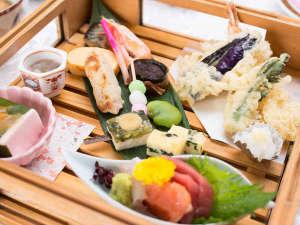 *ご夕食(夕食一例):お値段以上のボリュームと内容にびっくり!@日本料理「井井殿」