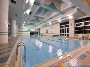 *プール/25m×4コース、水深最大1.2m。開放的な空間でゆったりとした時間をお楽しみ下さい。