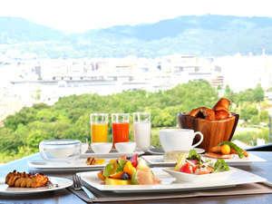 【トップオブキョウト/14F】京都唯一の回転レストランで360度の眺望と共に優雅な朝食を ※イメージ