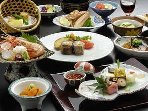 北の海の幸をふんだんに使用。鮮度に拘ったお食事が並びます。(※お品書きは一例です)