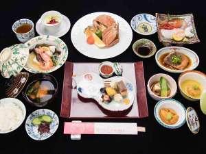 *【夕食:一例】北海道の味覚を味わえる満足感たっぷりの品揃え