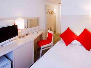 ■スタンダードセミダブル■シモンズ製120センチベッド★寝具は人気のデュベスタイル