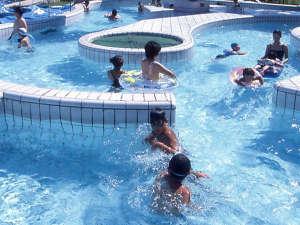 *屋外プール ※夏季のみ営業
