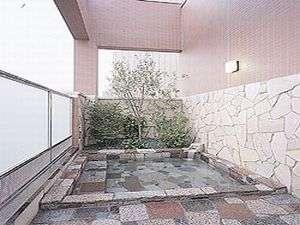 自慢の9階展望露天風呂(男性浴場のみ)で旅の疲れを癒して下さい☆各お部屋にユニットバスもございます♪
