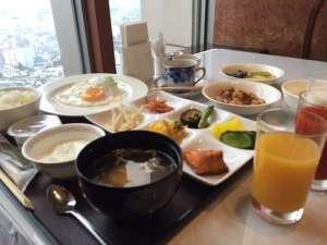 朝食【バイキング】地元の食材にこだわった中華メイン