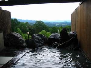 新潟の紅葉スポット近くの温泉宿・紅葉露天のある宿県 ホテルアルペンブリック