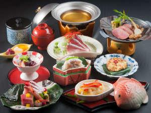 冬の味覚を味わえる日本料理会席※写真はイメージです