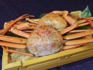 富山湾水揚げ高志の紅ガニと甘エビが食べ放題のとってもオトクな宿泊プランです。