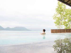 【露天風呂】初夏の洞爺湖。やわらかであたたかな日差しを浴びて♪