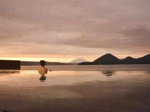 【露天風呂】彩景にゆったりと身をゆだねて。