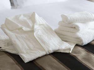 オーガニックコットンのリネン・タオル・パジャマ。上質かつやわらかな風合いで心地よいひとときを。