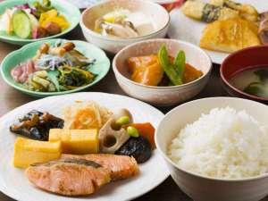 お米は地元産☆ご飯のお供も充実!展望を眺めながらご朝食をどうぞ♪