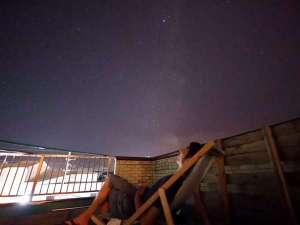 *[屋上テラス]リクライニングに腰掛け夜空を見上げれば…眩しい位の満天の星空!!