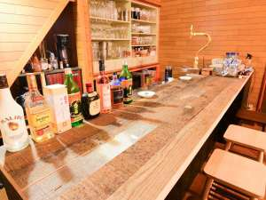 *[カフェバー]島の夜を美味しいお酒と共に♪楽しいおしゃべりに時間を忘れてしまいそう。