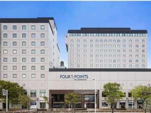 JR函館駅の正面入口を出るとすぐ右に見えるホテルです。