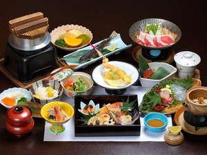 ご夕食の会席料理一例です。