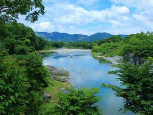 7月頃の荒川下流。暑い季節でもこの絶景を見れば暑さも和らぐかも?