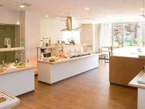 レストラン『菜箸一膳』 ★朝日の当たる空間でご朝食を♪★ (AM7時~AM9時30分)