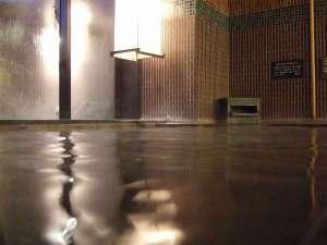 ◆【大浴場】温泉の泉質は弱アルカリ性。上がった後もお肌がつるつる、すべすべです♪