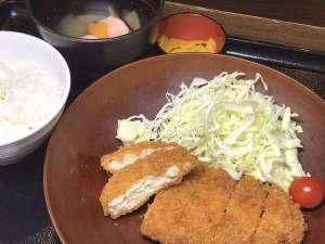 【無料夕食】メニュー一例『チキンカツ』※平日限定&食数限定でご提供♪