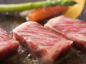 ■■夕食例■■ 【鳥取和牛の陶板焼き】 鳥取和牛をお好みの焼き加減で!