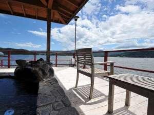 ☆湖上露天風呂☆【朝陽】開放感バツグンの湖上露天風呂で湖景もお楽しみください♪