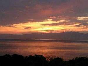 *当館から見える夕日