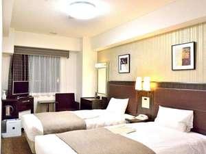 ツインルーム ベッド幅110センチ。快適にお過ごしいただけます。