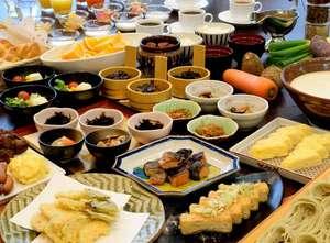 へぎそば・長岡野菜のてんぷら・鮭の焼き漬け・栃尾の油あげなど郷土料理も多数ご用意しております。