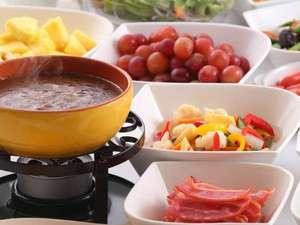 【グラッチオ】ビュッフェスタイルの朝ごはん。多彩なメニューがお客様の一日のはじまりをサポートします。