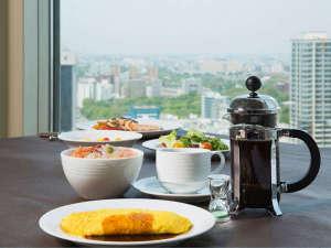 地上100mでの朝食レストランはロイヤルフロアご予約のお客さま限定でご利用いただけます。