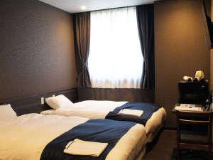 新設のお部屋◇モダンシリーズ◇高級寝具シモンズベッド使用。モダンツインルーム
