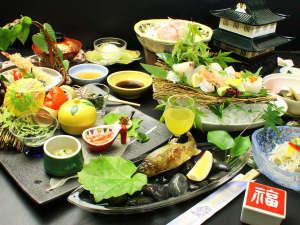 和歌山の旬の食材をふんだんに使用し豪華に仕上げた 松会席