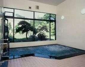 疲れを癒やすジャグジー付き大浴場となっております。