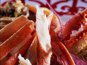 身もぎっしり、旨みもぎっしりの、希少な茹で『番ガニ』は豪快にお召し上がりください☆